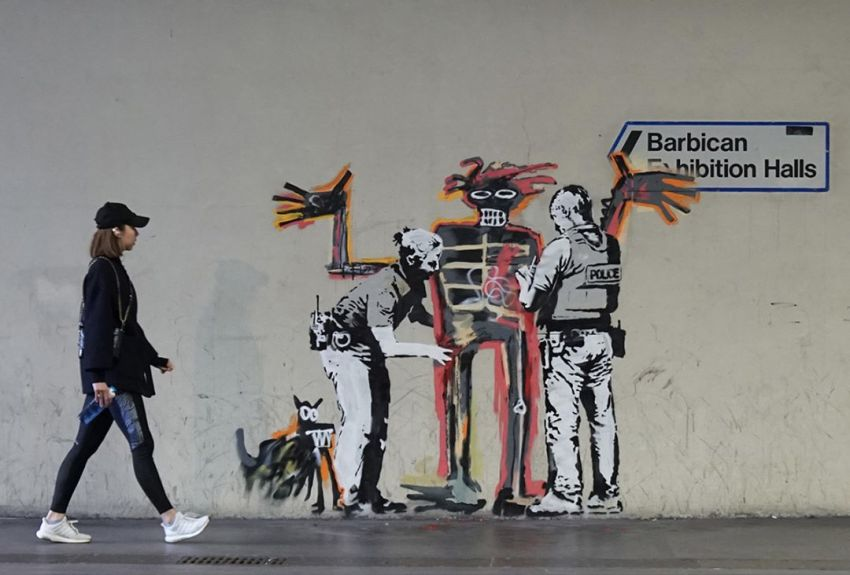 Banksy met Basquiat à l'honneur près de l'expositon au Barbican