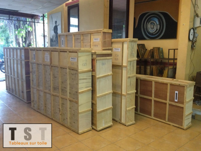 Caisses préparées spécialement pour le transport des toiles en maritime